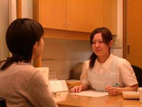 成人矯正審美歯科治療の盛岡市安藤歯科医院ではしっかりお話をお聞きします。